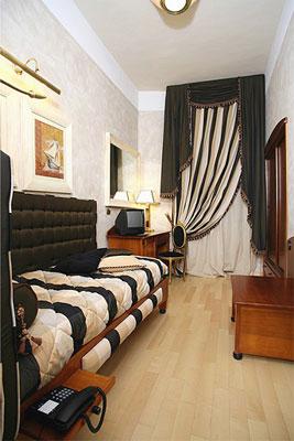 Camere hotel columbia montecatini terme toscana - Arredamento camera singola ...